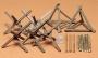 Набор ежей и деревянных заграждений
